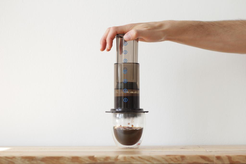 Brewing an aeropress coffee